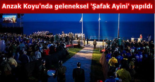 Anzak Koyu'nda geleneksel 'Şafak Ayini' yapıldı