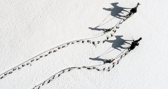'Atlı snowboard' yapmanın heyecanını yaşadılar