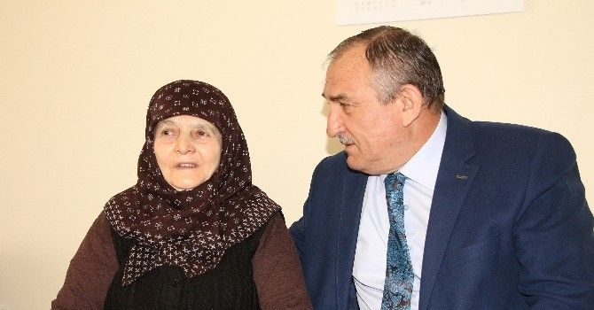 Bolu Belediye Başkanı Yılmaz Hastalara Moral Olmaya Devam Ediyor