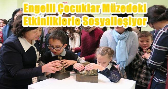 Engelli çocuklar müzedeki etkinliklerle sosyalleşiyor