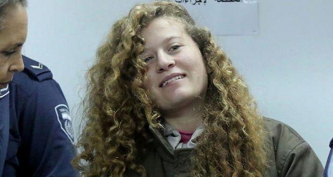 'Filistinli cesur kız' Ahed'in tutukluluk süresi uzatıldı