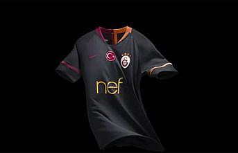 Galatasaray'ın dış saha forması satışa sunuldu