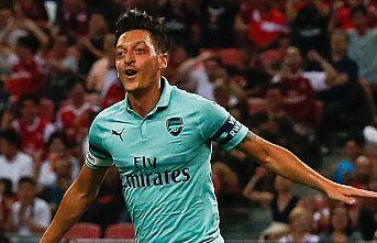 'Kaptan' Mesut Özil göz doldurdu