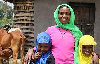 Etiyopyalı anne zorlukları Türk hayırseverler sayesinde aştı