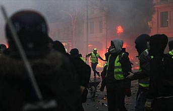 Fransa'daki olaylara 'kaos' ve 'gerilla savaşı' benzetmesi