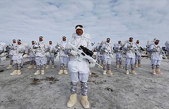 Mehmetçik çetin kış şartlarında görevinin başında