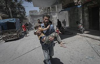 Esed rejimi İdlib'de sivilleri vurdu