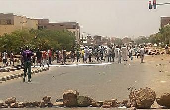 Sudanlı muhalifler ölü sayısının 100'ü geçtiğini iddia etti