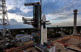 Hindistan'ın ikinci Ay görevi ertelendi