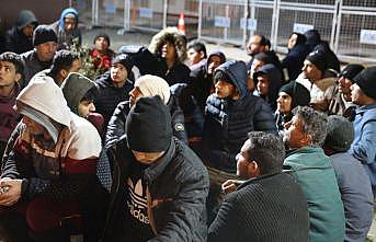 Yunanistan'ın zorla gönderdiği 252 göçmen yakalandı
