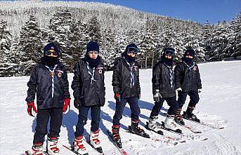 Bağcılar Belediyesi Spor Kulübü'nden 34 sporcu kış izci kampına katıldı