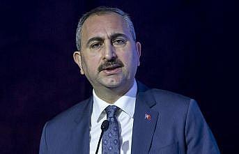 Adalet Bakanı Gül: Kimsenin yargıya haksız bir şekilde hakaret etme hakkı yok