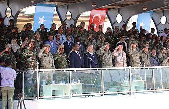 Komando Temel Eğitimi Alan Somali Askerleri için Mogadişu'da Somali Silahlı Kuvvetlerine Teslim Töreni Gerçekleştirildi