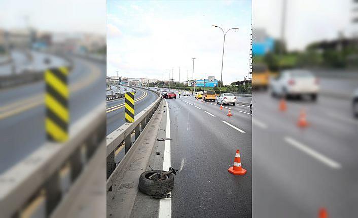 Küçükçekmece'deki trafik kazasında iki kişi yaralandı