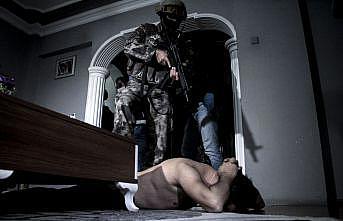 """Bursa'da uyuşturucu satıcılarına """"şafak"""" operasyonu"""