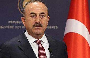 Bakan Çavuşoğlu: Cumhurbaşkanı Erdoğan'ı hedef alan açıklamalar kabul edilemez