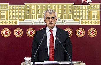 """HDP'li Gergerlioğlu: """"Çıplak arama şikayetlerini dile getirmek dahi utanç verici"""""""