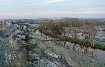 Edirne'de taşkın nedeniyle trafiğe kapatılan tarihi köprüler açıldı