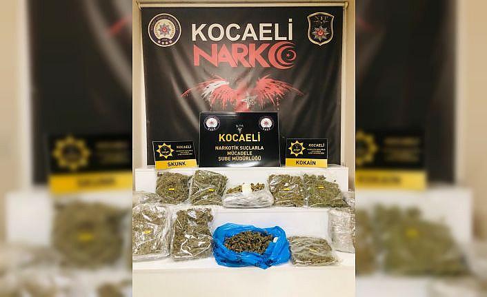 Kocaeli'de cipin bagajında 8 kilo 900 gram esrar ele geçirildi