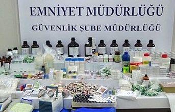 Kuaförde kaçak 43 bin 279 vücut geliştirme ilacı ele geçirildi