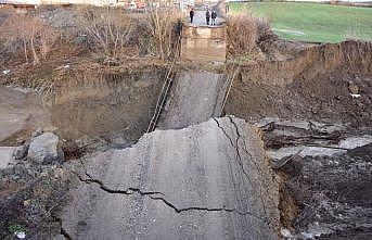 Tekirdağ'da şiddetli yağış bir köprünün yıkılmasına neden oldu