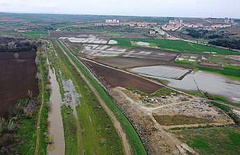 """Edirne'de sağanağın ardından debisi yükselen Tunca Nehri için """"sarı alarm"""" verildi"""