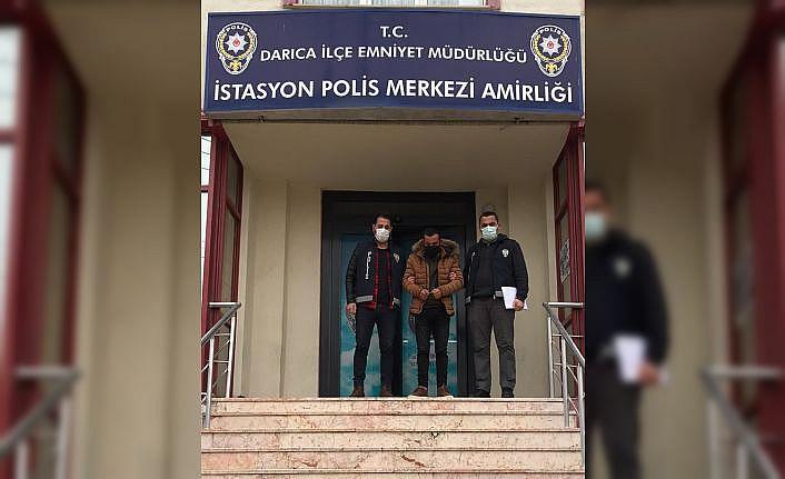Kocaeli'de 200 parça çini eser çaldığı öne sürülen şüpheli yakalandı
