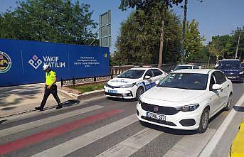Edirne'de yaya geçidinde otomobilin çarptığı 2 kişi yaralandı