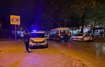 Sakarya'da aynı bölgede bıçaklı kavga ve silahlı saldırı: 3 yaralı