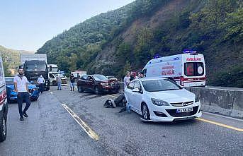 Sakarya'da zincirleme trafik kazası: 12 yaralı