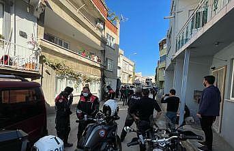 Bursa'da tüfekle çatıya çıkıp polise direnen kişi gözaltına alındı