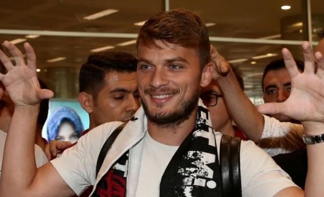Adem Ljajic resmen Beşiktaş'ta