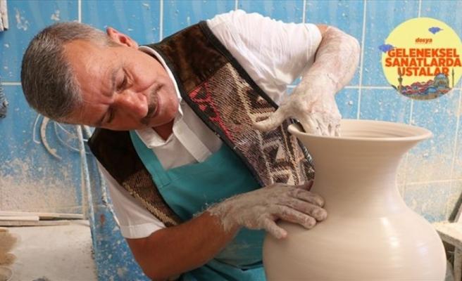 'Efsane Mehmet' çinicilikte usta eller yetiştiriyor