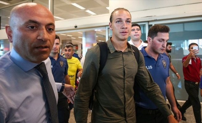 Frey, Fenerbahçe için İstanbul'da