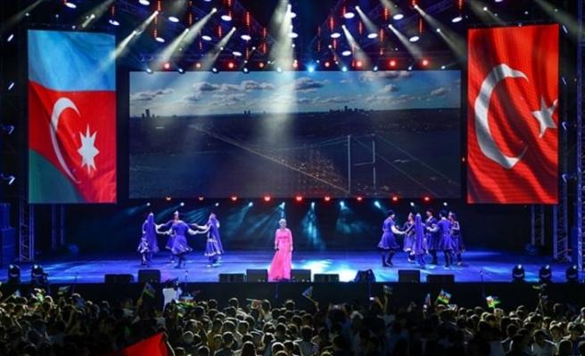 Anadolu Ateşi, Bakü'nün 100. kurtuluş günü için parladı