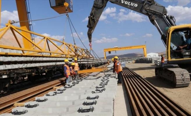 Ankara-Sivas YHT hattında ray serimi