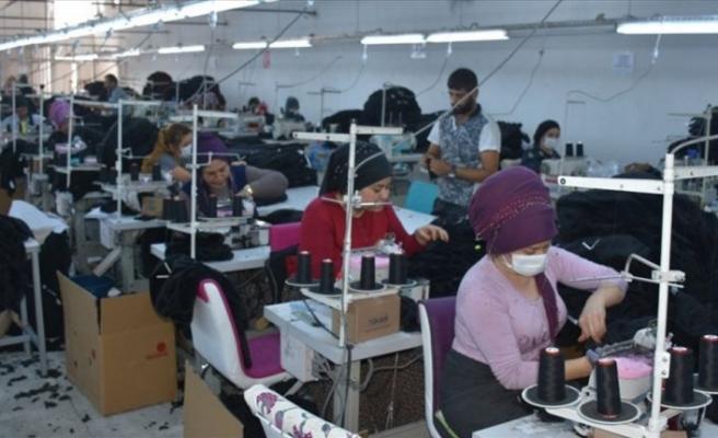 Bakkalı olmayan köye tekstil fabrikası kurdu