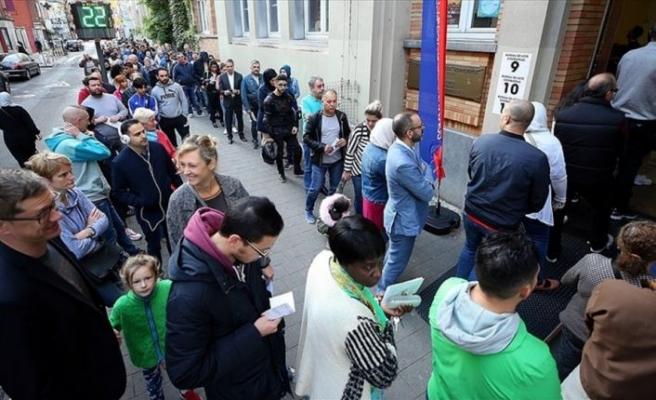 Belçika'da yerel seçimler için halk sandık başına gitti