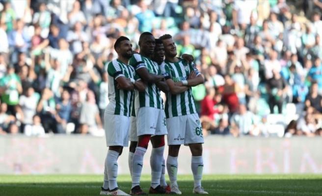 Bursaspor ilk galibiyetini aldı