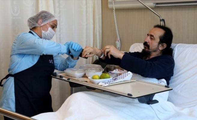Hastaya özel hazırlanan yemeğe barkodlu dağıtım