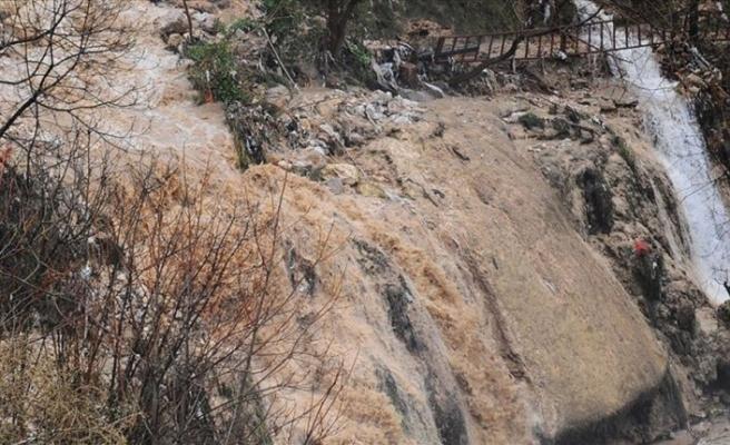 Hatay'da sel sularına kapılan 6 düzensiz göçmen hayatını kaybetti