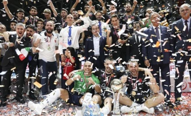 Şampiyonlar Kupası'nı Halkbank kazandı
