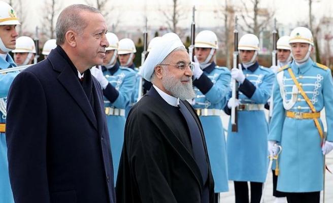 Cumhurbaşkanı Erdoğan, İran Cumhurbaşkanı Ruhani'yi resmi törenle karşıladı