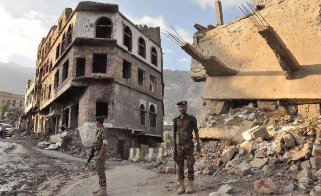 Yemen'de iç savaşın acı izlerini taşıyan Cehmaliyye'yi görüntüledi