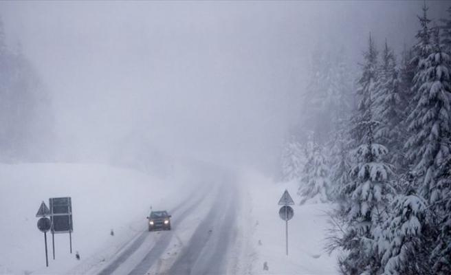 Almanya'da olumsuz hava koşulları: 3 ölü