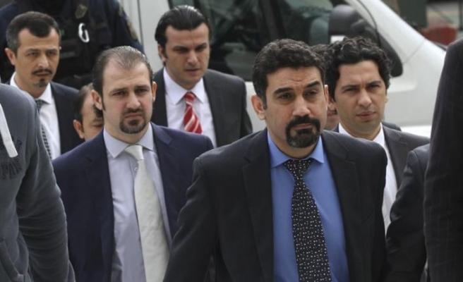 Real News gazetesi: Yunanistan'a kaçan darbeciler için başka bir ülke aranıyor