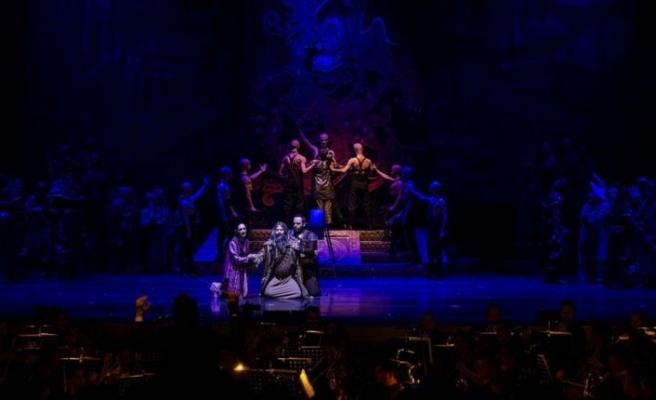 'Çin prensesi' 3 bin kişilik sahneye taşındı
