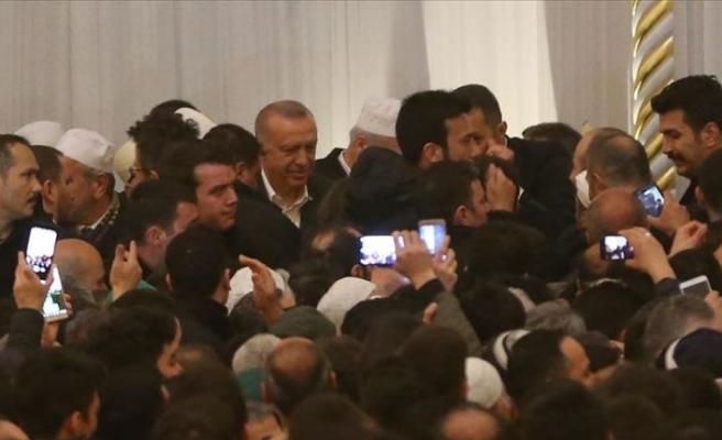 Erdoğan Miraç Kandili dolayısıyla Büyük Çamlıca Camisi'ni ziyaret etti