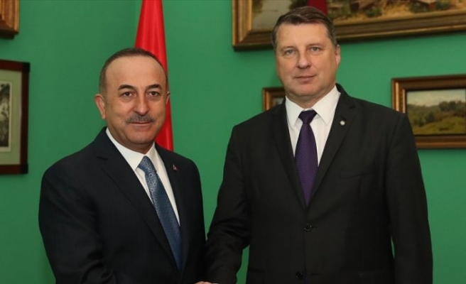 Çavuşoğlu Letonya Cumhurbaşkanı Vejonis ile görüştü