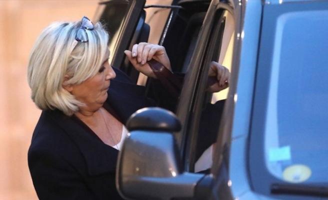 Fransa'da aşırı sağcı Le Pen mahkemeye çıkacak